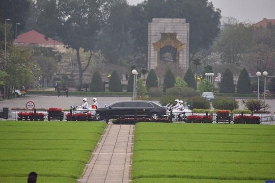 DPRK Chairman Kim Jong-un leaves Hanoi ảnh 1
