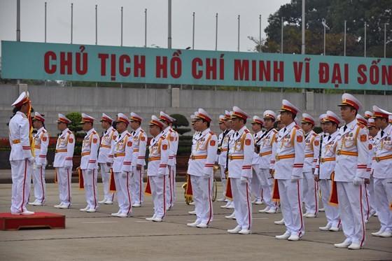 DPRK Chairman Kim Jong-un leaves Hanoi ảnh 2