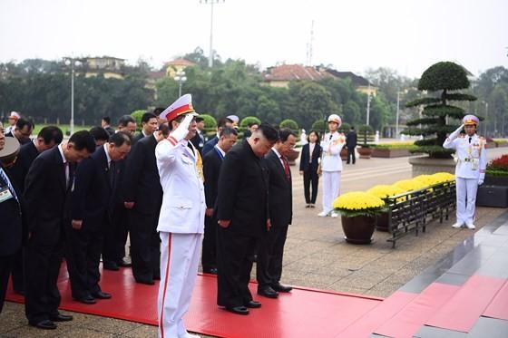 DPRK Chairman Kim Jong-un leaves Hanoi ảnh 7