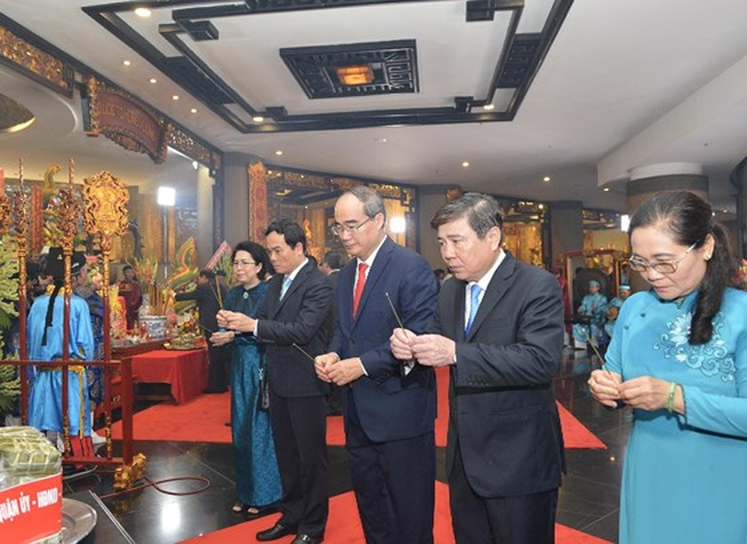 City top leaders pay tribute to Hung Kings ảnh 1
