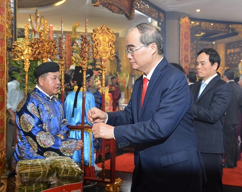 City top leaders pay tribute to Hung Kings ảnh 2