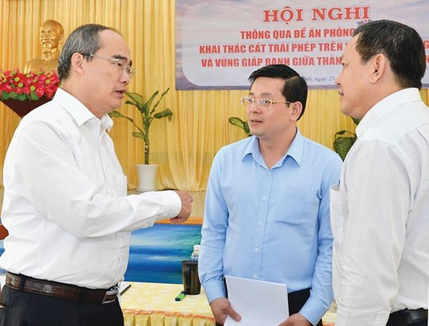 HCMC determines to eliminate illegal sand mining ảnh 1