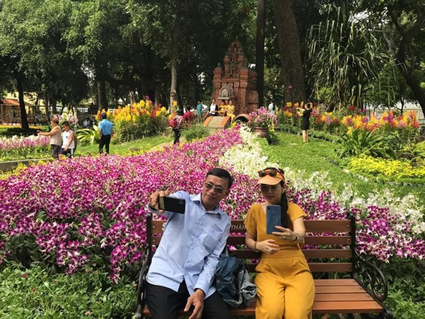 First Orchid Festival opens in HCMC ảnh 4