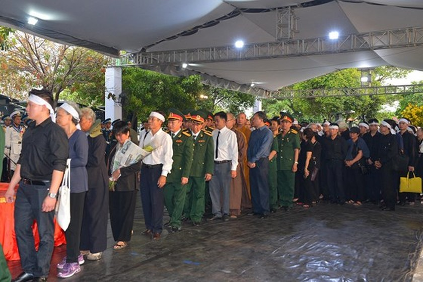 Former President Le Duc Anh laid to rest in HCMC ảnh 9