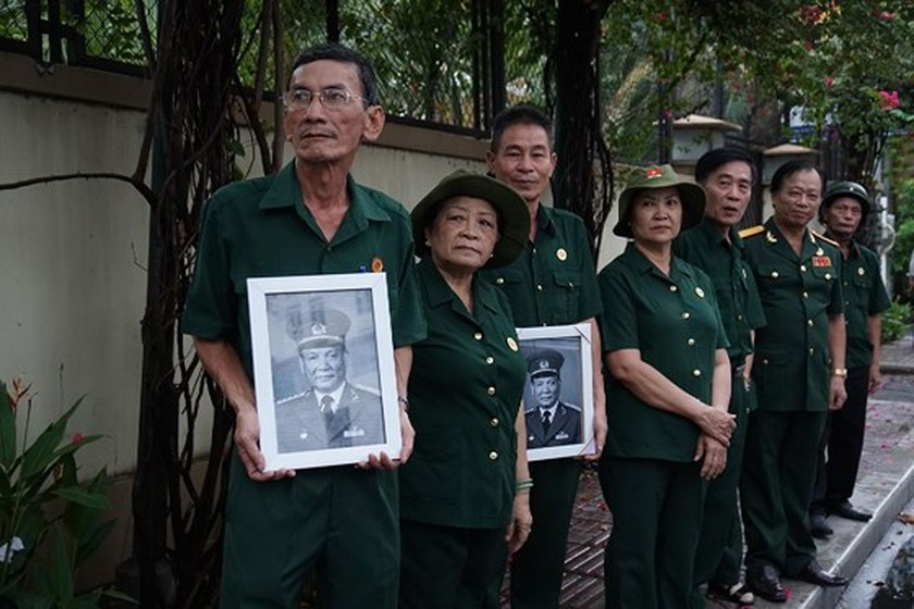 Former President Le Duc Anh laid to rest in HCMC ảnh 11