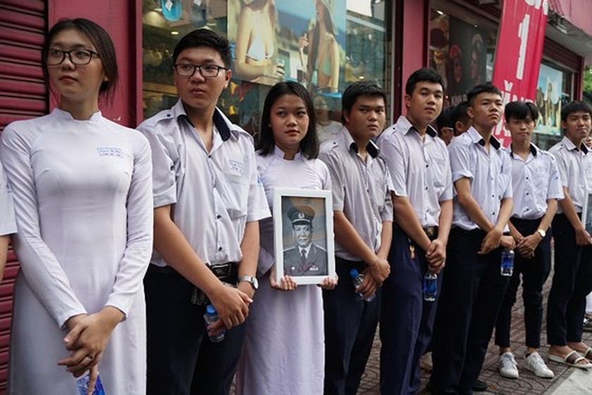 Former President Le Duc Anh laid to rest in HCMC ảnh 12
