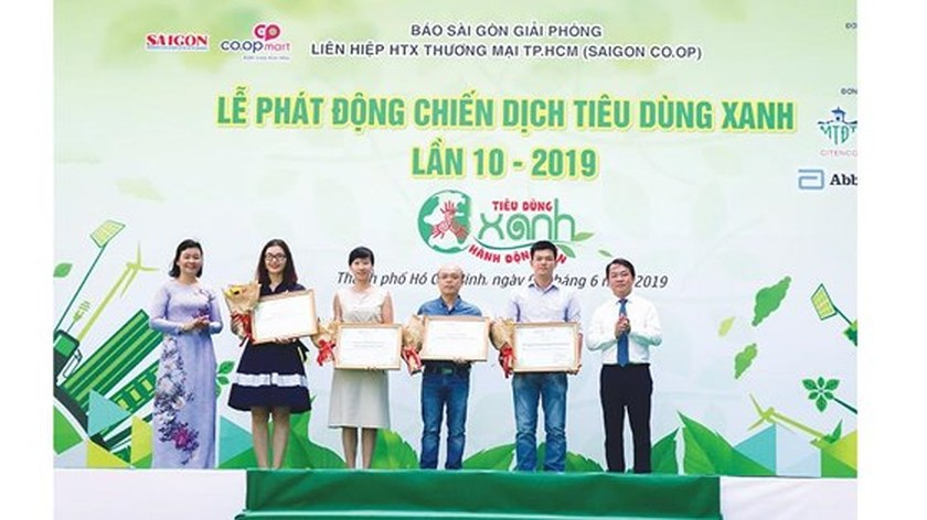 SGGP Newspaper launches 10th Green Consumption Campaign   ảnh 1