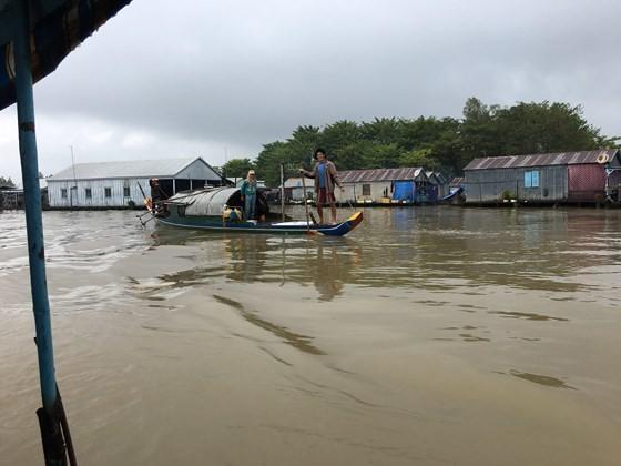 Heat waves just start in Central, Northern Vietnam ảnh 2