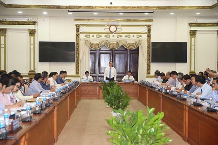 HCMC reviews 18 month implementation of smart city project ảnh 1