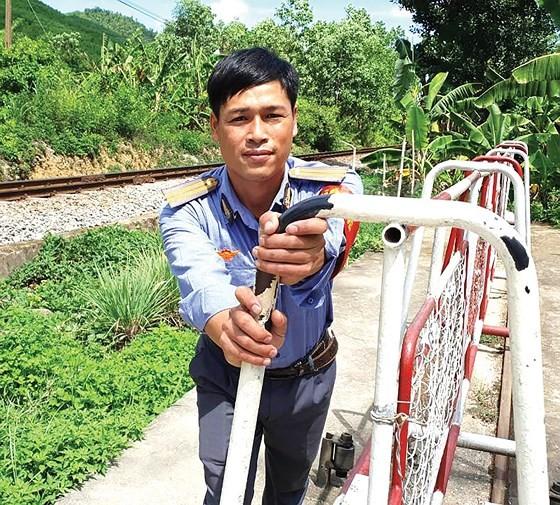 Vietnam railway runs outdated ảnh 7