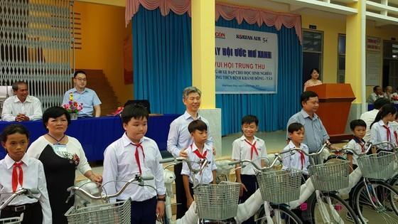 SGGP, Korean Air hold mid-autumn festival in Ben Tre ảnh 1