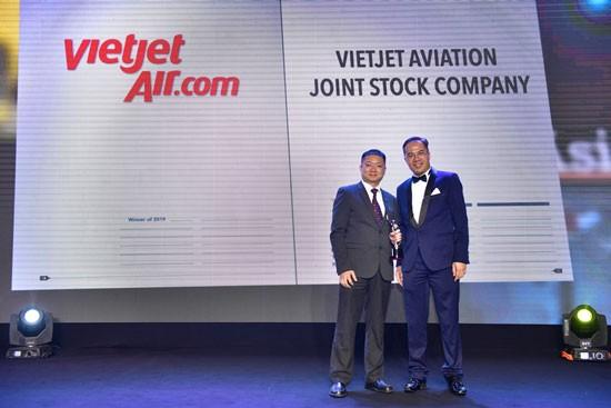 """Vietjet nhận giải """"Nơi làm việc tốt nhất châu Á 2019"""" ảnh 2"""