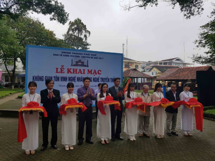Activities of 7th Hue Craft Village Festival kicked off ảnh 1