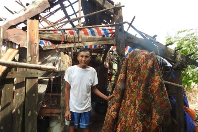 Quang Binh province destroyed after storm ảnh 4