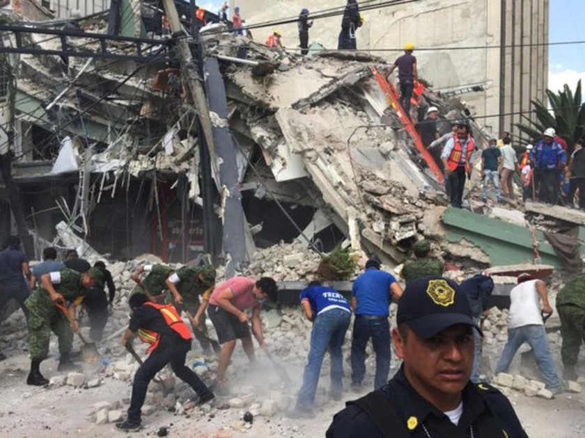 Nearly 140 killed in powerful Mexico quake ảnh 4