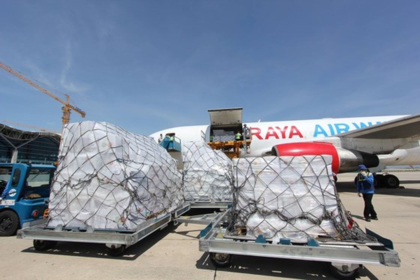 ASEAN sends aid to typhoon victims in Vietnam ảnh 1