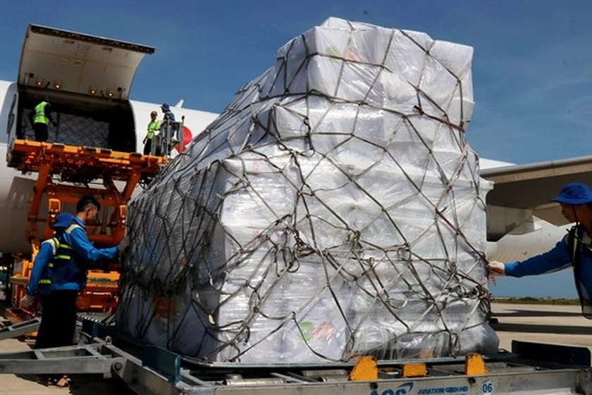 ASEAN sends aid to typhoon victims in Vietnam ảnh 2