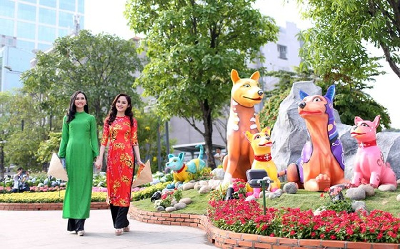 Nguyen Hue Flower Street opens tonight ảnh 2