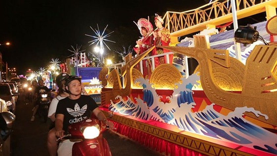 Carnival show 2018 lights up Danang ảnh 2
