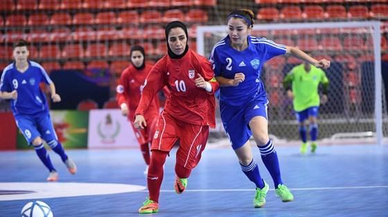 Vietnam enters first-ever AFC's women futsal championship semi-finals   ảnh 1