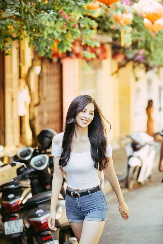 Miss Vietnam 2018 Tieu Vy introduces Hoian to Miss World ảnh 1