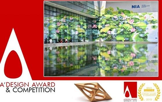 2 bức tranh hoa sen ở Nội Bài đoạt Huy chương vàng Thiết kế quốc tế ảnh 1