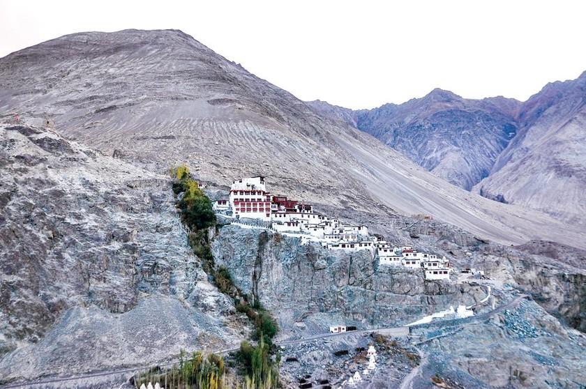 Trải nghiệm mạo hiểm  vùng chiến sự Ladakh ảnh 1