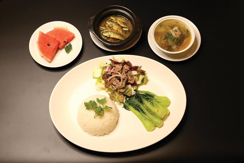 Bữa trưa  cùng doanh nhân  tại REX Sài Gòn ảnh 2