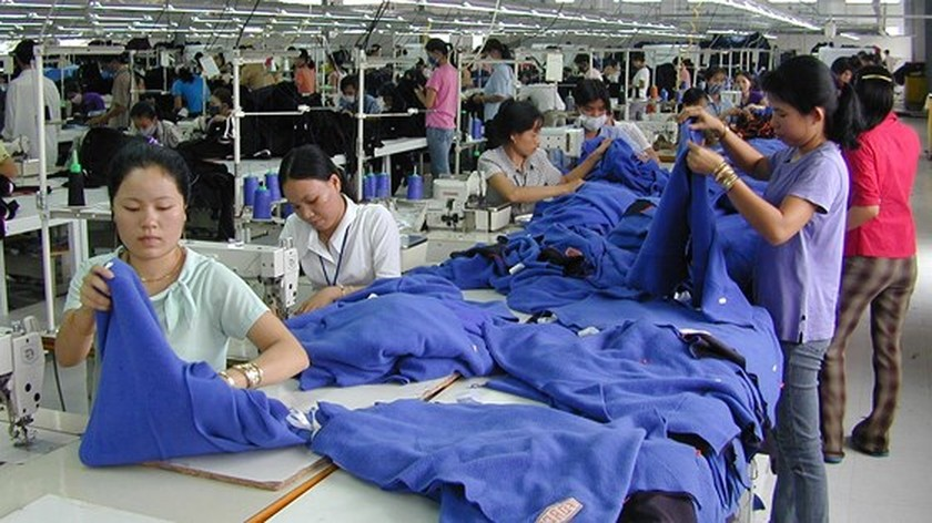 Garment, textile industry regains attractiveness ảnh 1