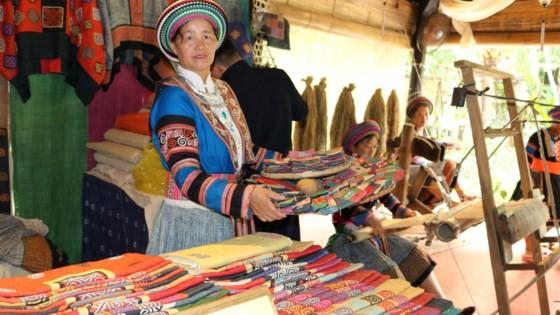 Giữ gìn bản sắc để tơ lụa Việt Nam vươn ra thế giới ảnh 4