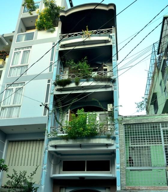 Cháy nhà 4 tầng, 1 người chết, 7 người bị thương ảnh 3