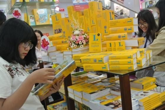 Khai trương gian hàng sách tiếng Đức lần đầu tiên tại Việt Nam ảnh 1