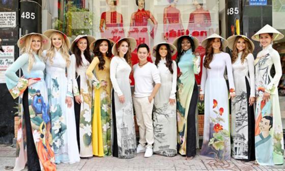 Thí sinh Hoa hậu Hòa bình Quốc tế 2017 hào hứng thử áo dài ảnh 1