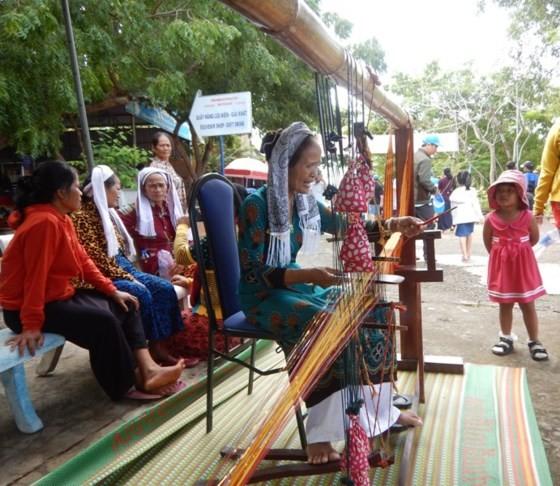 Tưng bừng Lễ hội Katê của đồng bào Chăm Bình Thuận ảnh 7