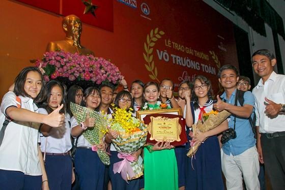 Giải thưởng Võ Trường Toản lần thứ 20 năm 2017: Tôn vinh 40 thầy, cô giáo tiêu biểu của TPHCM ảnh 6
