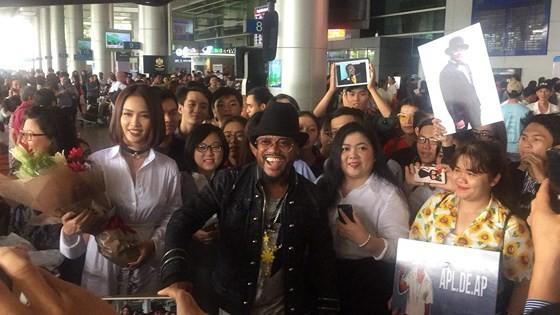 Fan Việt nô nức đón thành viên Black Eyed Peas ảnh 2