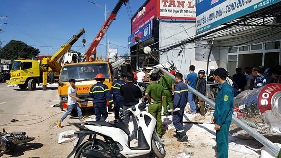 Tai nạn thảm khốc trên QL 20, ít nhất 5 người tử vong tại chỗ ảnh 1