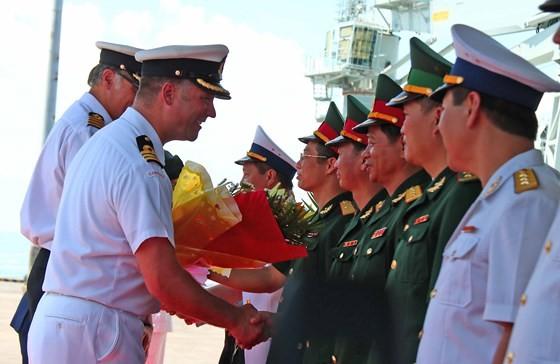 Đội tàu Hải quân Hoàng gia Canada thăm Đà Nẵng ảnh 2