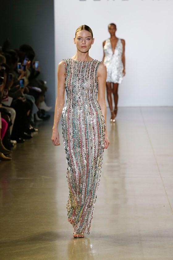 """Xem BST """"Cuộc dạo chơi của những vì sao"""" của Công Trí tại New York Fashion Week 2019 ảnh 23"""