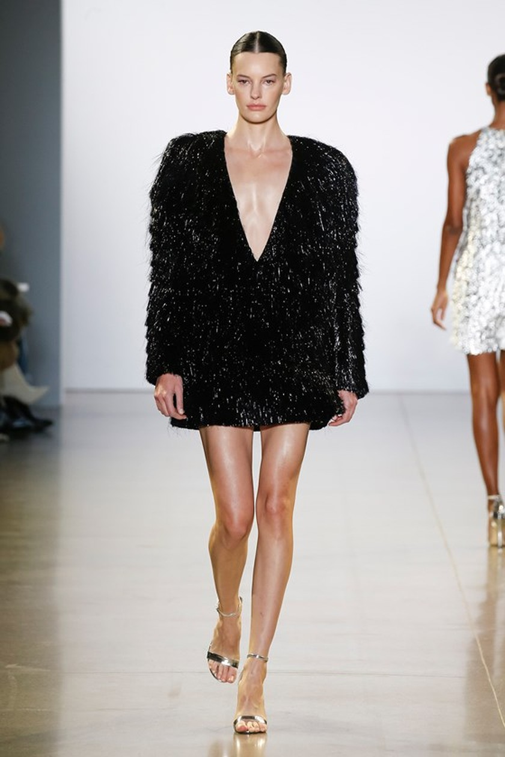 """Xem BST """"Cuộc dạo chơi của những vì sao"""" của Công Trí tại New York Fashion Week 2019 ảnh 25"""