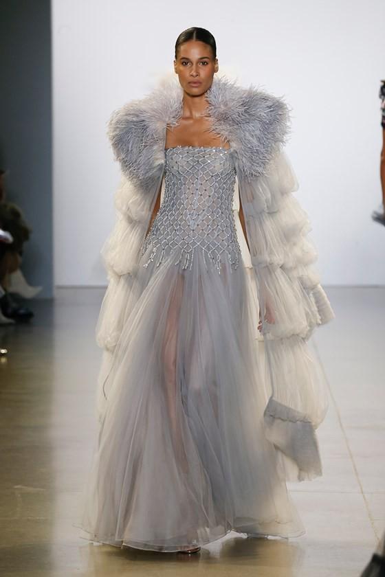 """Xem BST """"Cuộc dạo chơi của những vì sao"""" của Công Trí tại New York Fashion Week 2019 ảnh 30"""