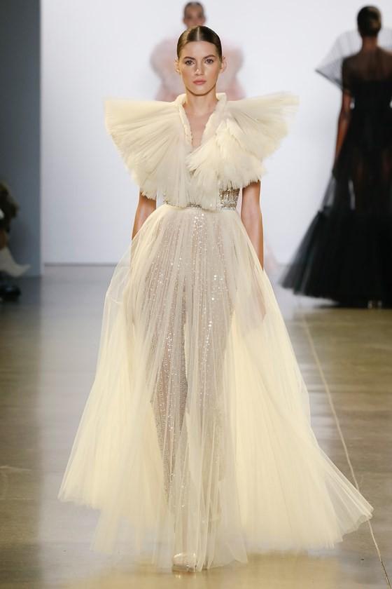 """Xem BST """"Cuộc dạo chơi của những vì sao"""" của Công Trí tại New York Fashion Week 2019 ảnh 31"""