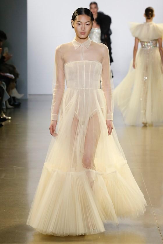 """Xem BST """"Cuộc dạo chơi của những vì sao"""" của Công Trí tại New York Fashion Week 2019 ảnh 33"""