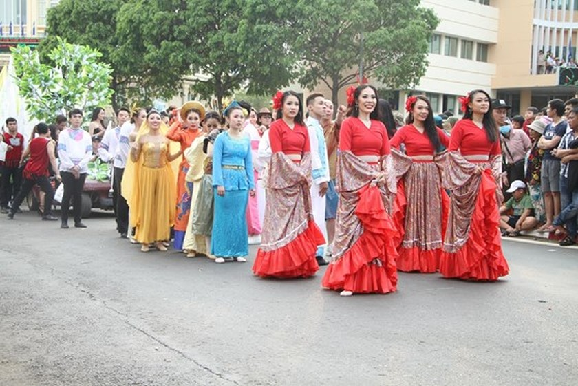 The 7th Buon Ma Thuot coffee festival kicks off with street festival ảnh 8