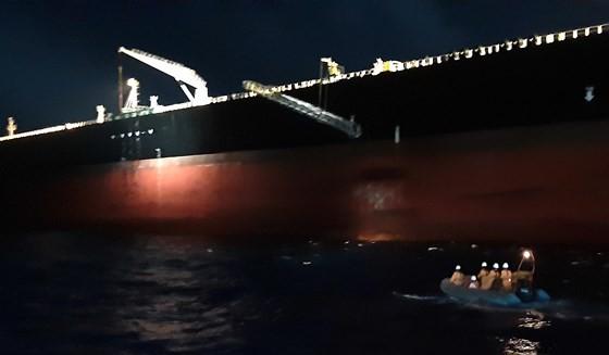 Filipino sailor severely injured at sea rescued ảnh 1
