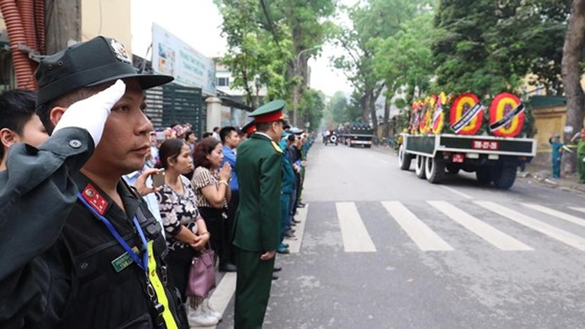Funeral procession of former State President Le Duc Anh begins ảnh 8