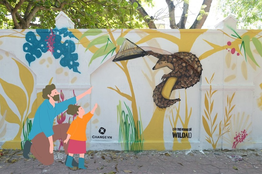 Wildlife Street Art Bus Tour program ends in HCMC ảnh 2