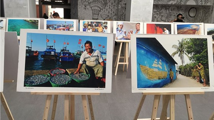 Photo exhibition, pictorial book on Ly Son Island presented in HCMC ảnh 1