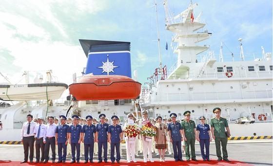 Japanese coastguard vessel makes 4th visit to Da Nang city ảnh 3