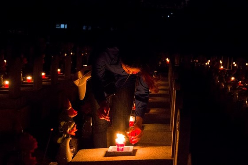 Tens thousands of candles light up sacred land of Vietnamese martyrs ảnh 1
